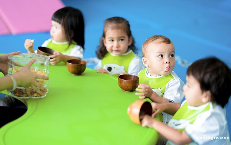 0-6岁早教托育幼儿园机构加盟-乐融儿童之家